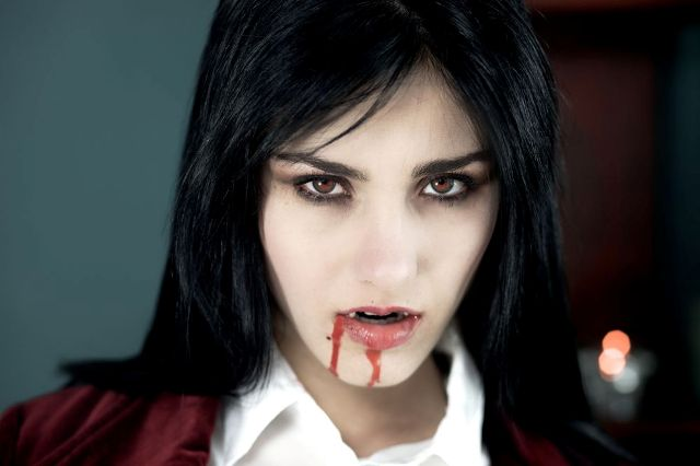 donna-vampiro-look-trucco-make-up-halloween-1